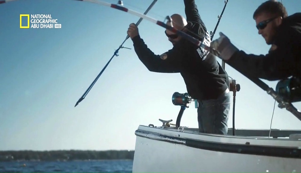 سمكة التونة العنيدة HD : الموسم 5 – ح4 : الغضب على متن القارب - موقع علوم العرب