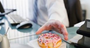 دراسة : الإفراط في تناول السكر يصيب الرجال بالإكتئاب (أعراض و طرق العلاج)