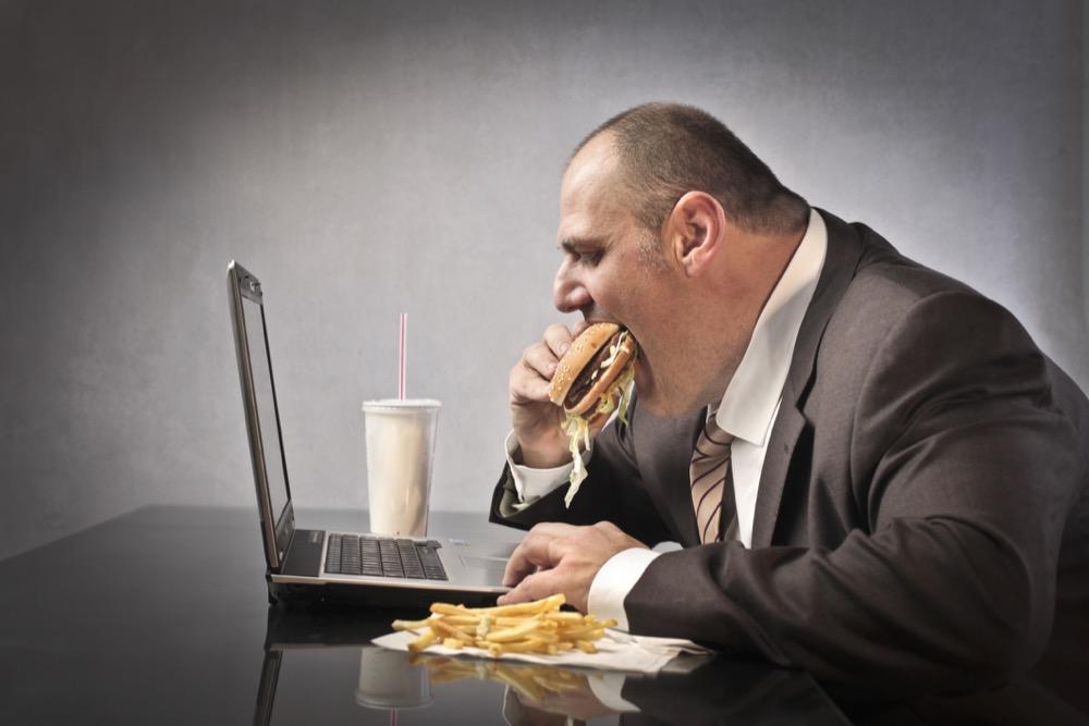 دراسة - 5 أسباب مدهشة لزيادة الوزن!