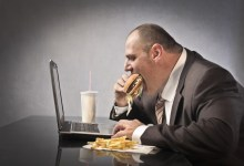صورة دراسة – 5 أسباب مدهشة لزيادة الوزن!