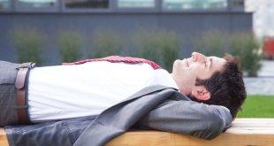 """مقال - ماذا يفعل نوم القيلولة بـ""""مخ الإنسان""""؟"""