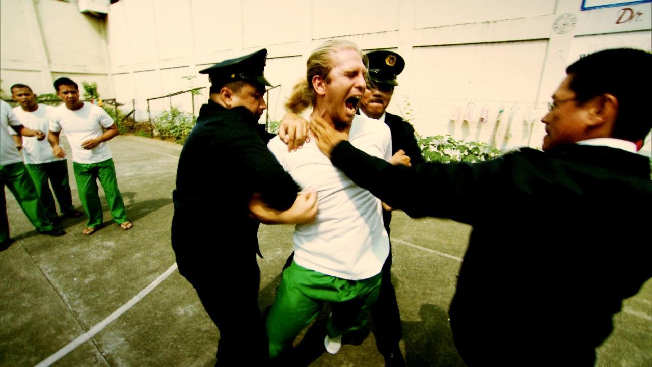 مسجون في الغربة – ممنوعات في التاسعة عشر