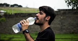 مقال - 6 أعراض لنقص الماء في الجسم