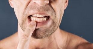 مقال – 5 طرق للحفاظ على أسنانك مع تقدم العمر