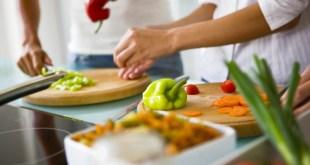 مقال – هذه الأخطاء في الطهي تجعل الطعام ساماً