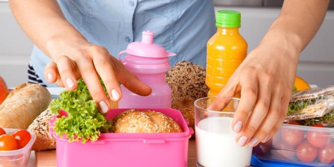 9 نصائح لحماية طفلك من التسمم الغذائي بالطعام الذي يأخذه إلى المدرسة
