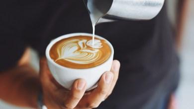 مقال – ما عدد أكواب القهوة التي ينصح بتناولها يومياً؟