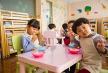 طريقة علمية تجبر الأطفال على تناول الطعام الصحي