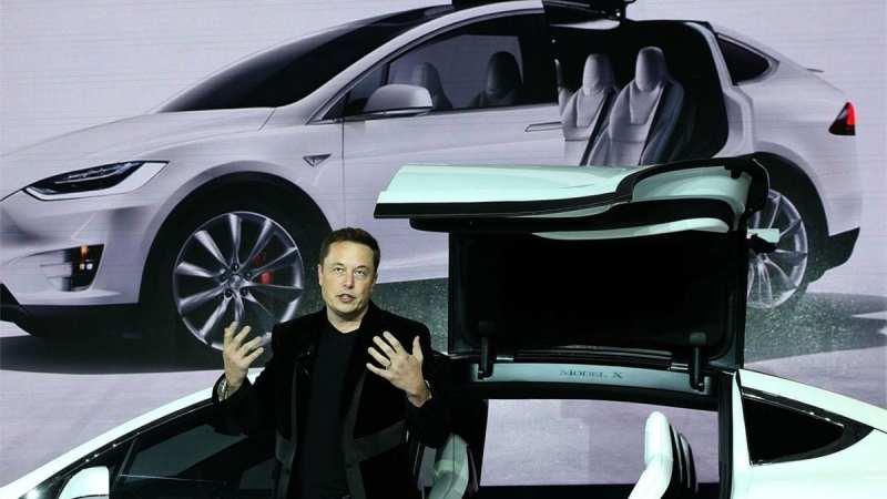 هل تستطيع تسلا تصنيع سيارة من المستوى الخامس هذا العام؟