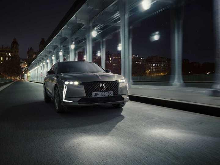 سيارة DS4 الجديدة: تصميم مبتكر وتكنولوجيا مبهرة