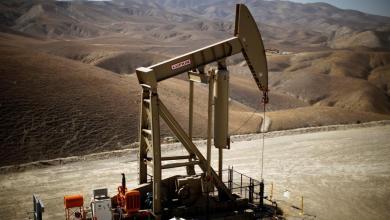 صورة اشتعال المعركة بين السعودية وروسيا يهدد بتخمة غير مسبوقة فى سوق البترول