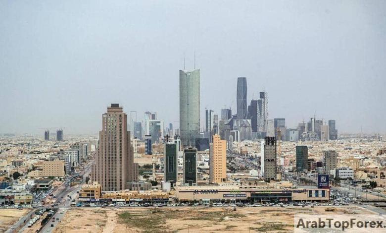 """Photo of """"النقد السعودية"""" توجه المؤسسات المالية بعودة الأعمال تدريجيا"""