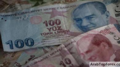 صورة الليرة التركية تهبط إلى أدنى مستوى منذ شهر
