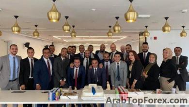 صورة احتفال موظفي إدارة البيع المباشر والقروض الشخصية ببنك ABC – مصر بتحقيق المستهدف من خطة البنك لسبتمبر «صور»