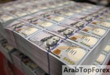 صورة الدولار الأميركي يهوي بالذهب | أخبار سكاي نيوز عربية