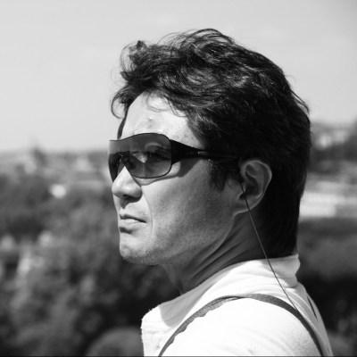 Director_suzuki.jpg