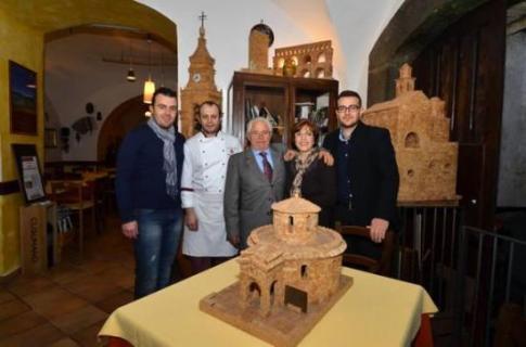 cork-sculptures4-550x363