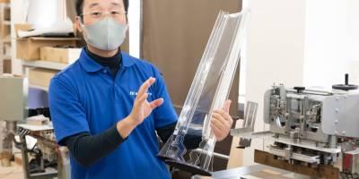 飛沫防止フィルム『ワンタッチバリア』。長谷川ジャバラが挑む感染症対策