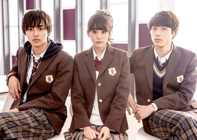 Heroine Shikkaku Leads In High School Uniform For First