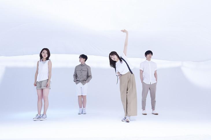 """Ryokuoushoku Shakai sing their hearts out in PV for """"Hajimari no Uta"""""""