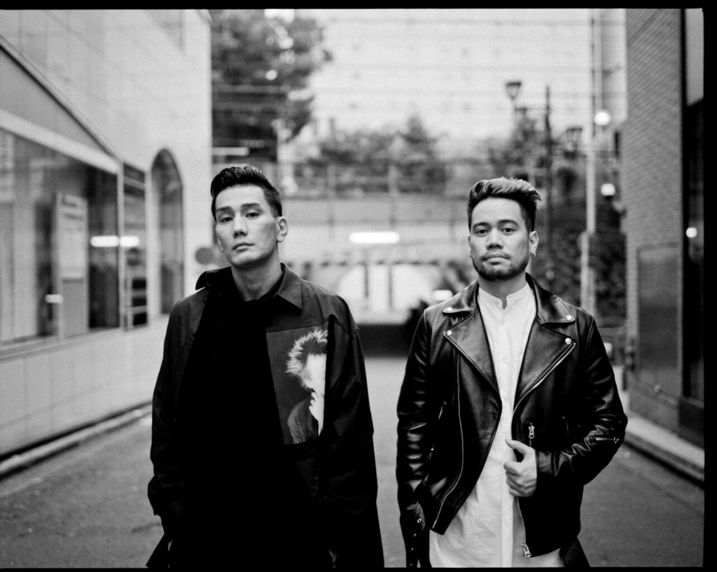 """AKLO and JAY'ED Go Back to the 90s in """"Different Man"""" PV"""