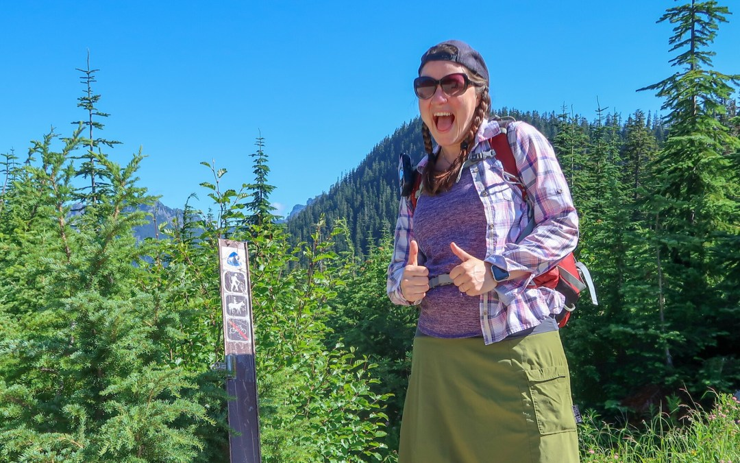 Hiking the Pacific Crest Trail from Windy Pass to Mirror Lake
