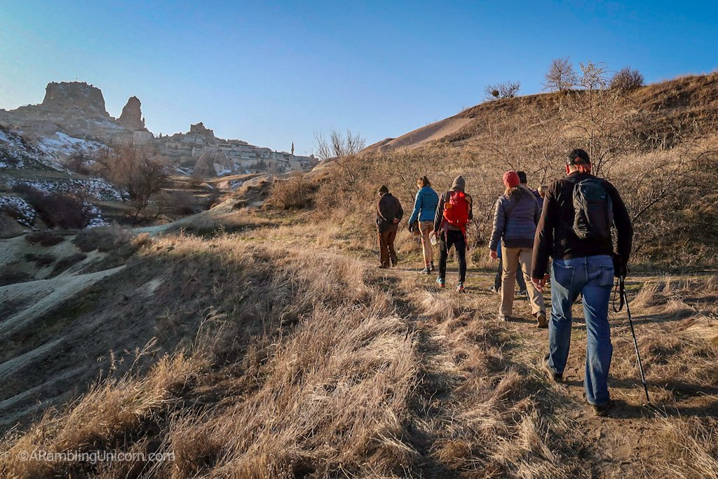 The impromptu group hike along the Pigeon Valley Trail.