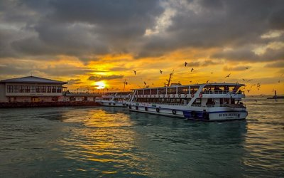 Bosphorus Sunset: A Ferry Ride to Remember