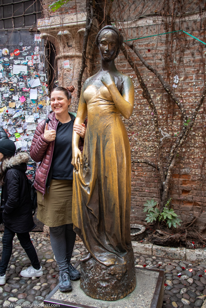 Verona in 24 hours: Statue of Juliet