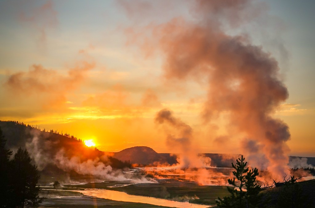 Great America Road Trip Day 20: Sunset at Grand Prismatic Spring