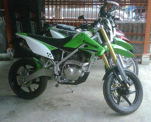 Modifikasi Supermoto Kawasaki KLX 150 KEREN BENNNERRRRR