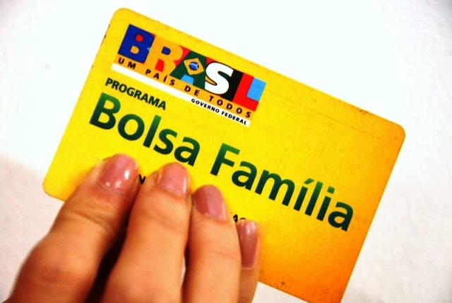 Valor do benefício básico do Bolsa Família sobe para R$ 77