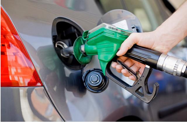 Gasolina vai subir ainda neste ano, diz ministro da Fazenda