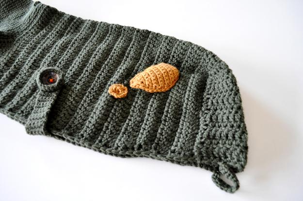 「Mother of Yotchan」イタグレポンチョを編む。