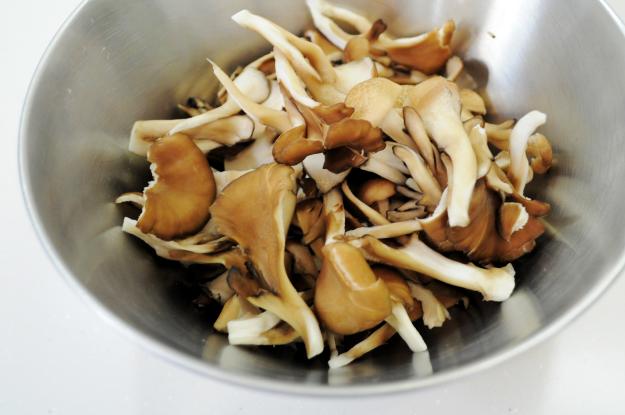 おっ!美味い!主役は「松山あげ」土鍋で作る炊き込み御飯