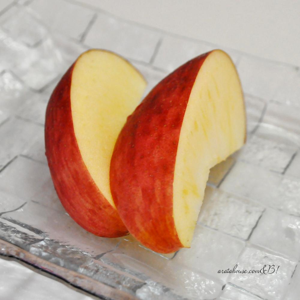 大っきな真っ赤な林檎「ひめかみ」が信州から544kmの旅路を経て淡路島に届きました♪