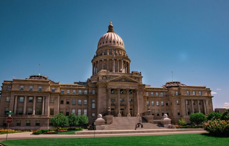 A photo of the capitol building in Boise.