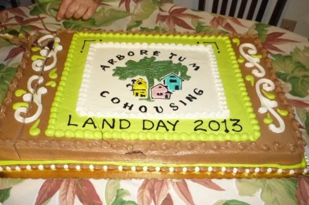 2013 Land Day cake.