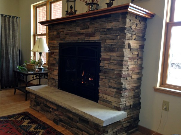 photo of fireplace in the Lloyd Lounge