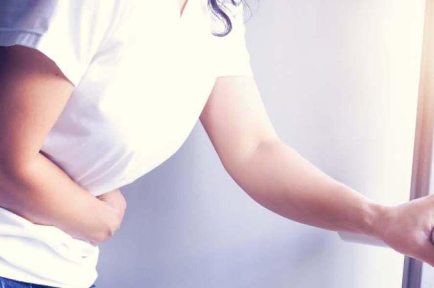 dessin aquarelle violet fleur de cerisier visage