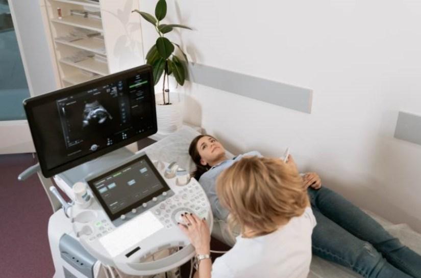 Aujourd'hui un carré parfait écharpe tube gris