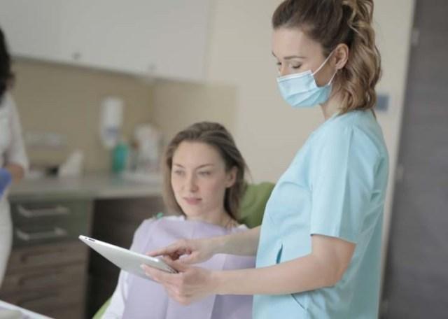 minette et chaton l'instant présent