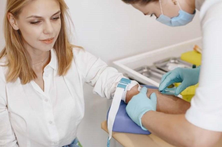 nuages orageux champs de ble