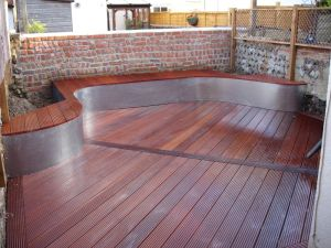 Massuranduba & Steel deck oiled and wetted down