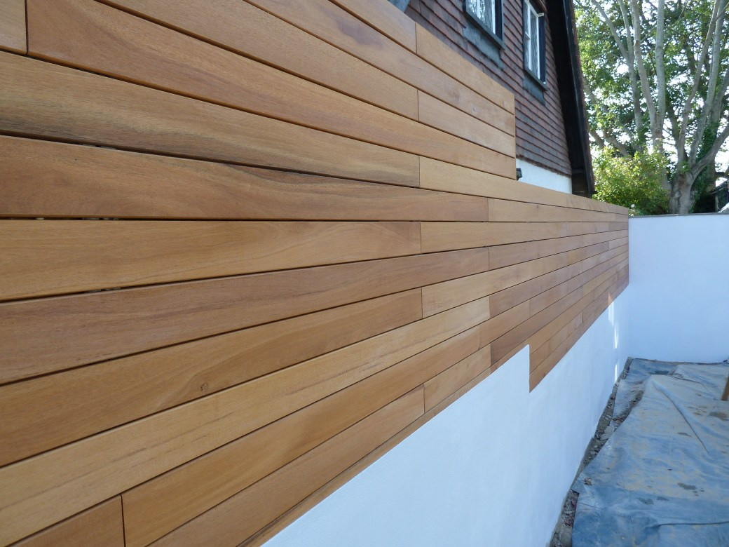 Arbworx : Rendered Wall and Hardwood Screening