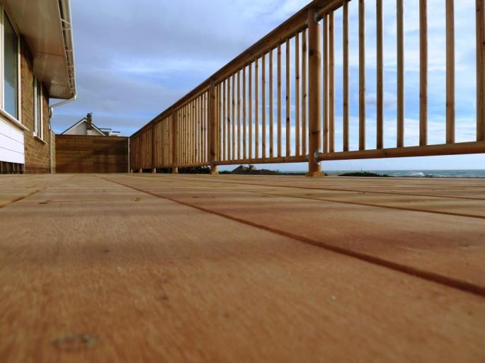 Seafront decking balcony in Garapa hardwood, Shoreham