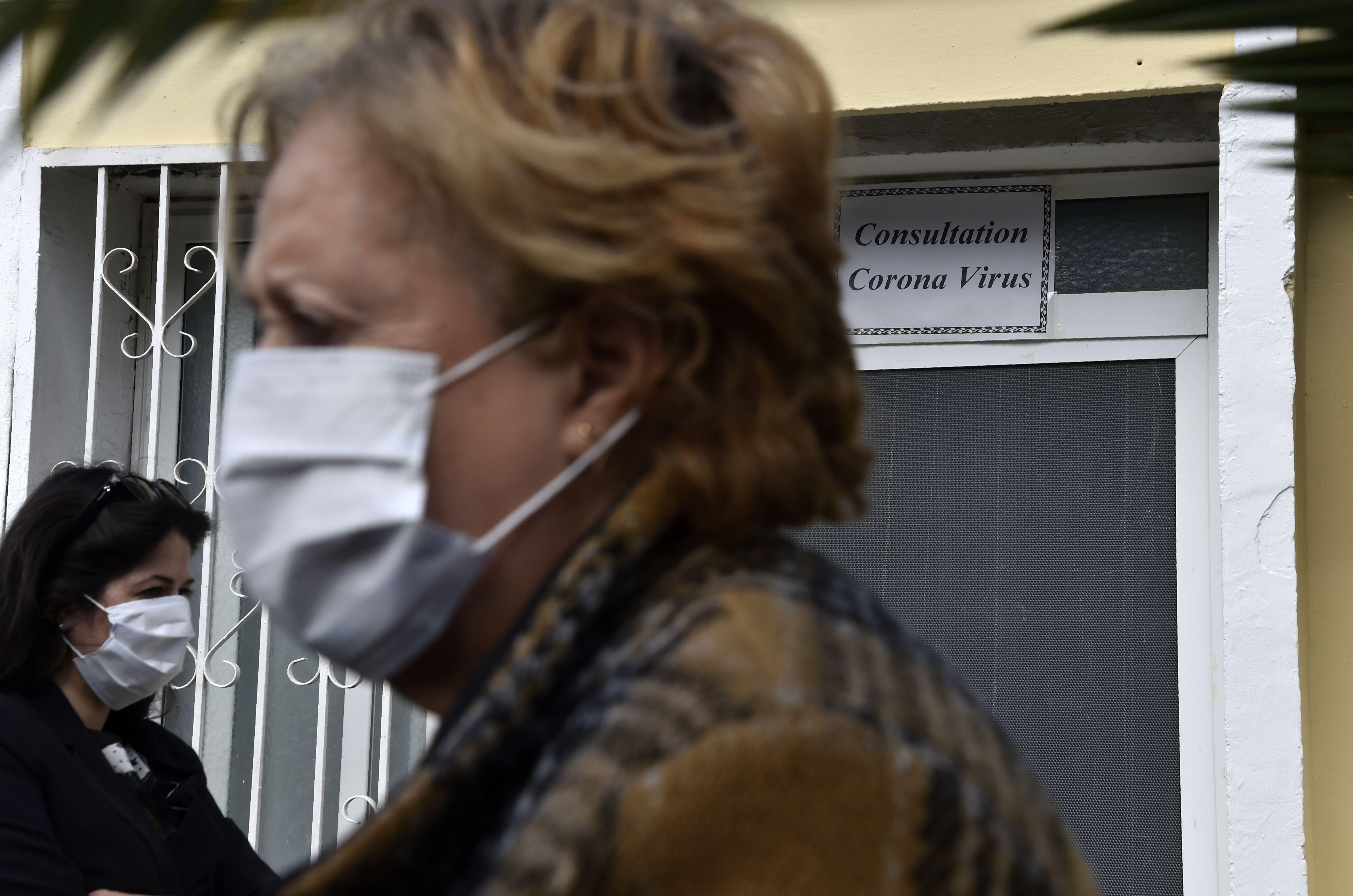 Do I need to wear a face mask to block coronavirus? - The Boston Globe