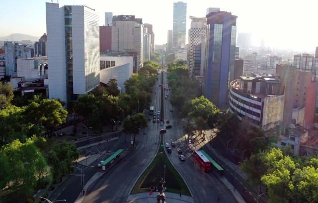 La avenida Reforma en la ciudad de Mèxico, donde el gobienro municipal impuso el cierre de lugares públicos