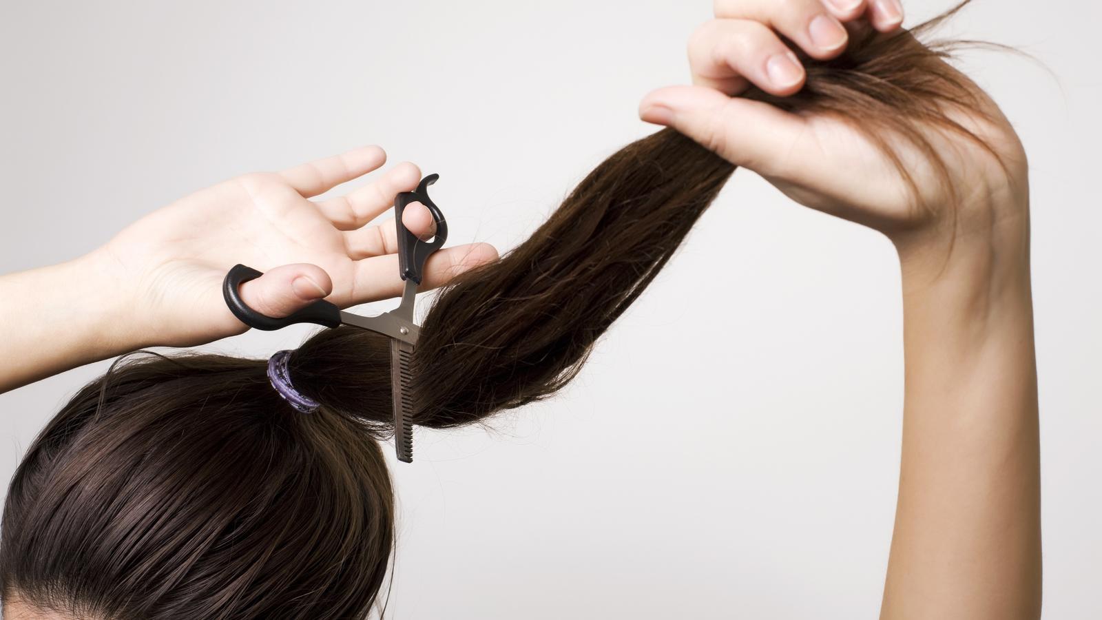 kurze haare selber stufig schneiden anleitung