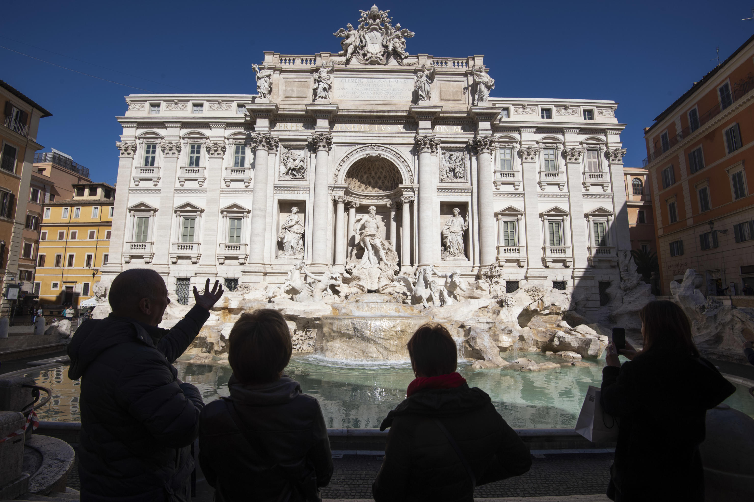 As coronavirus spreads in Italy, tourists reluctantly cancel dream ...